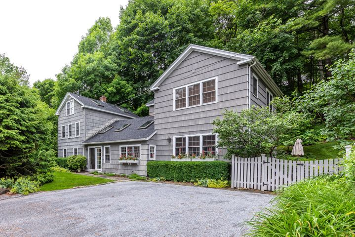 1015 Main St, Great Barrington, MA 01236