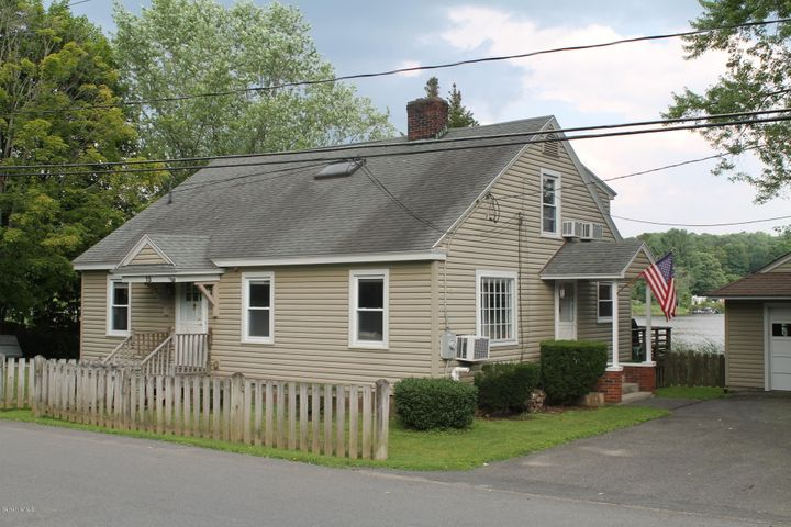 15 Sunrise St, Lanesborough, MA 01237