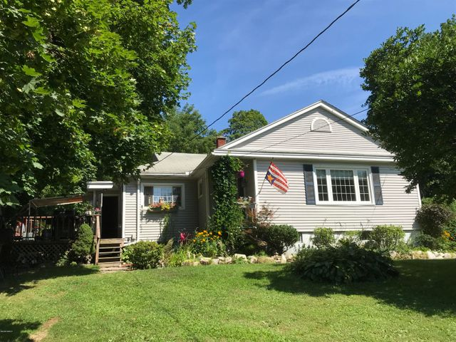 50 A St, North Adams, MA 01247