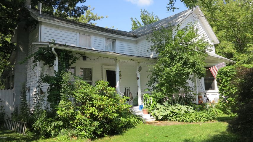 14 Cove St, Pittsfield, MA 01201