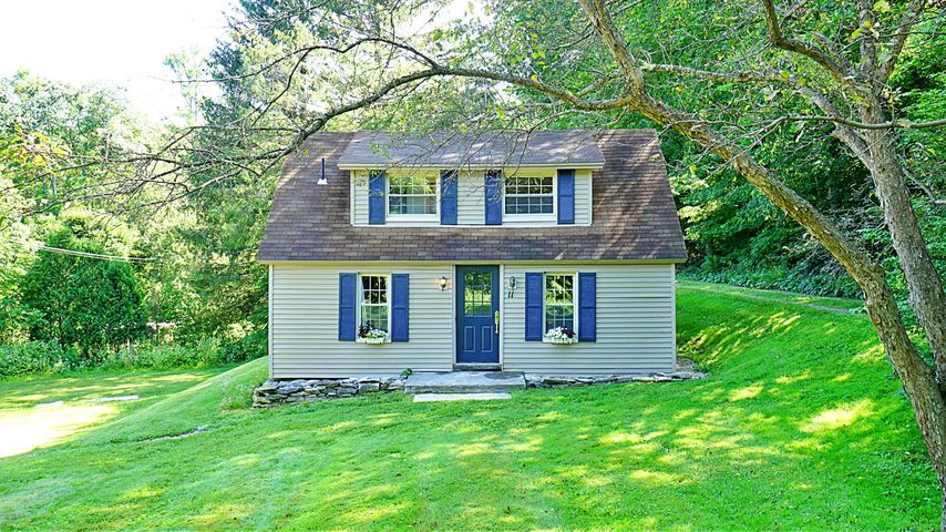 11 Stockbridge Rd, West Stockbridge, MA 01266