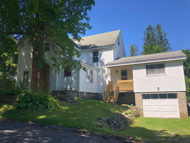 60 Margerie St, Lee, MA 01238