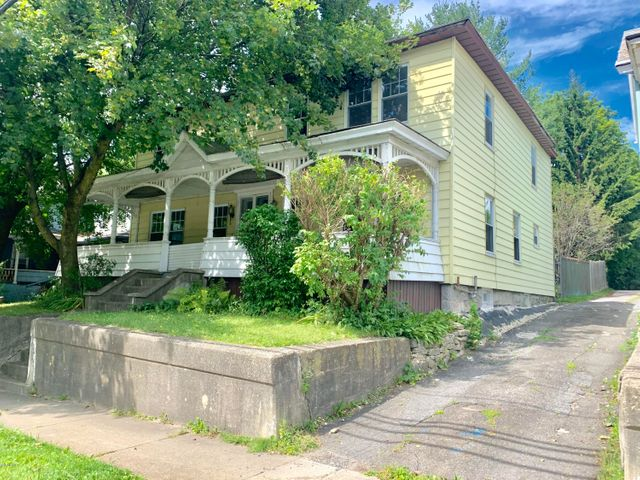129 Commercial St, Adams, MA 01220