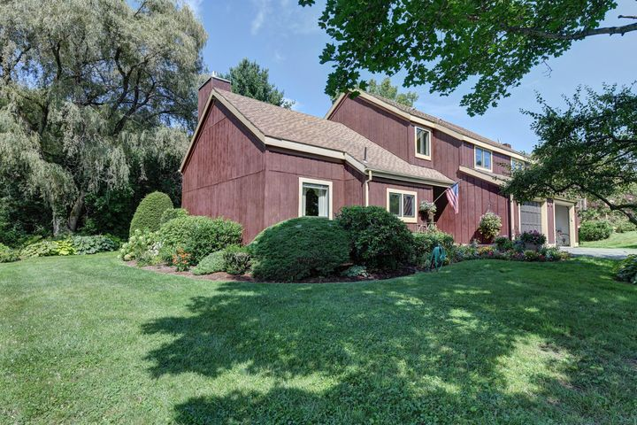 35 Thistle Path, Williamstown, MA 01267