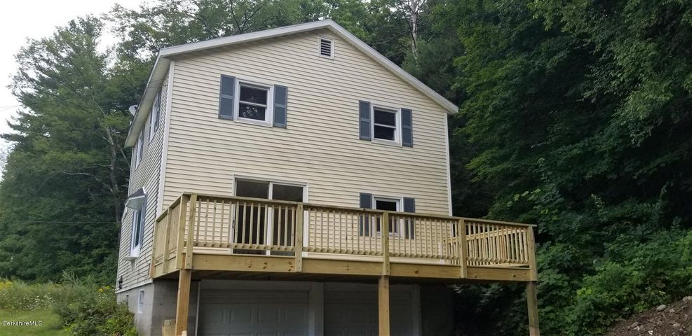 901 State Rd, Cheshire, MA 01225