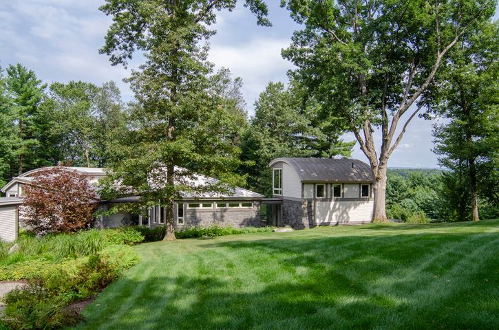 235 McCagg Rd, Kinderhook, NY 12106