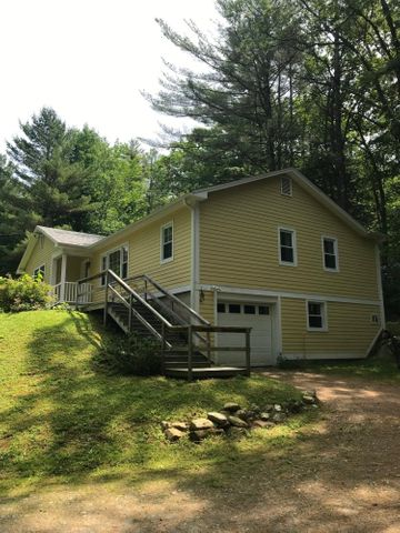 220 Henderson Rd, Williamstown, MA 01267