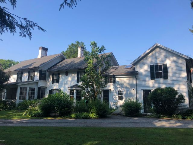 49 Main St, Stockbridge, MA 01262
