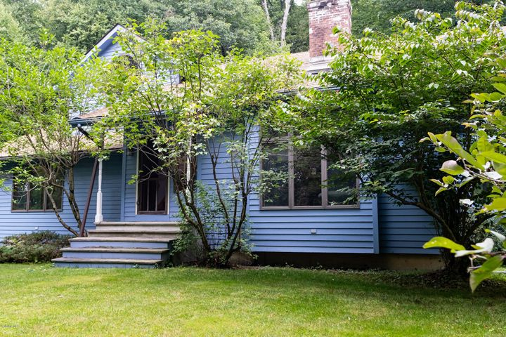34 Hillside Ave, Great Barrington, MA 01230