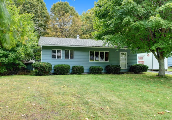 50 Stonehedge Rd, Cheshire, MA 01225