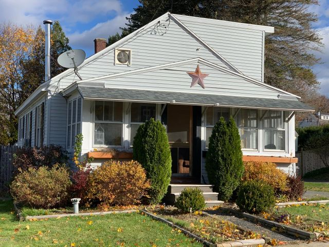 39 Cromwell Ave, Pittsfield, MA 01201