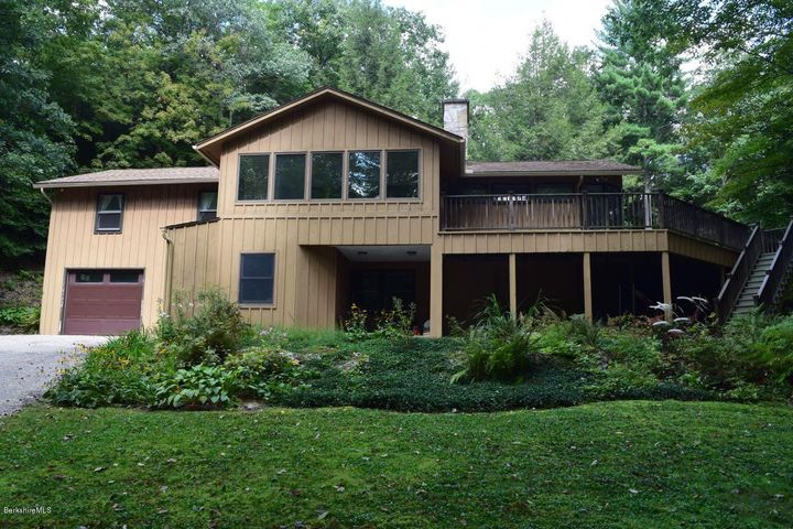 17 Glendale Rd, West Stockbridge, MA 01266