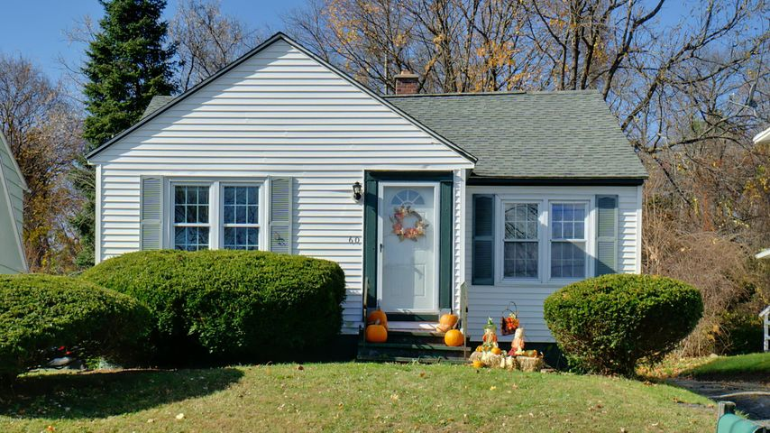 60 Backman Ave, Pittsfield, MA 01201