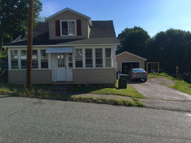 152 Veazie St, North Adams, MA 01247