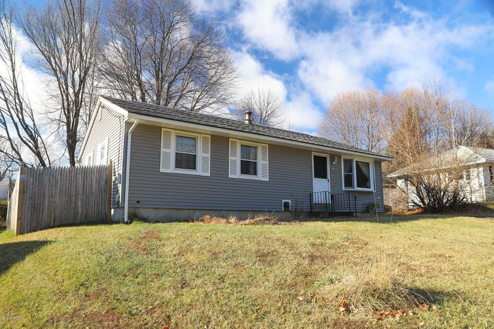 44 Arnold Ct, Cheshire, MA 01225