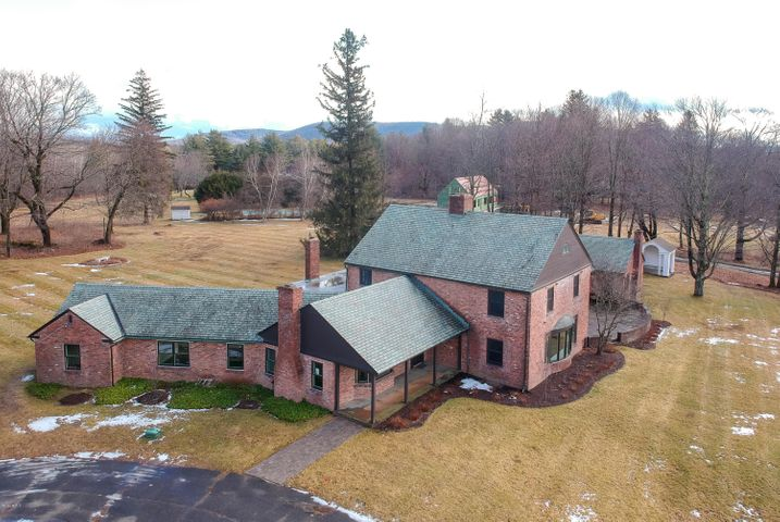 22 Prospect Hill Rd, Stockbridge, MA 01262