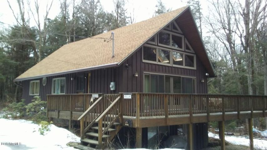 237 Slope Rd, Tolland, MA 01034