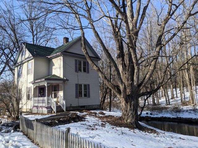 68 Hungerford St, Pittsfield, MA 01201