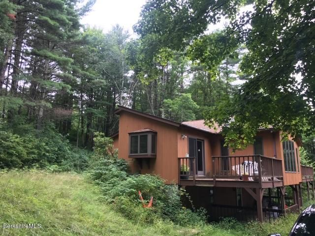 Contemporary home on 1.6 acres in Pownal!