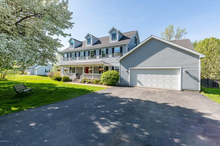 30 Candlewood Dr, Williamstown, MA 01267