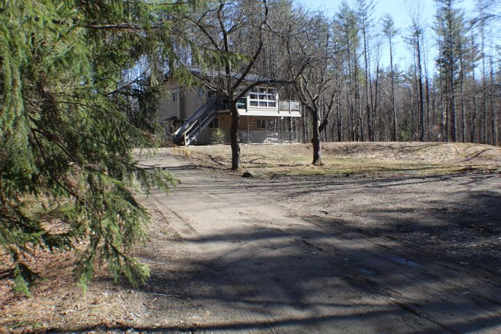 Amazing, Private Home and Garage on 10 Acres!