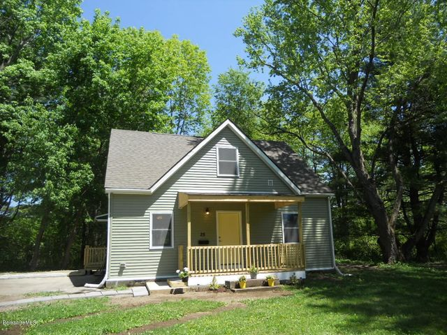 25 Grand Ave, Pittsfield, MA 01201