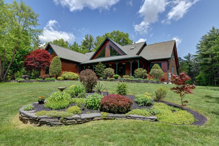 377 George Schnopp Rd, Hinsdale, MA 01235