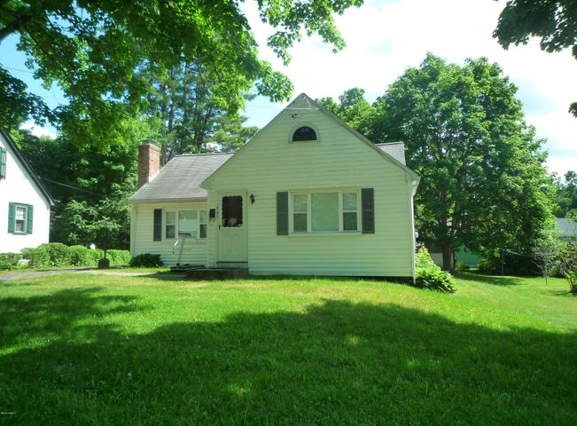 245 Sand Springs Rd, Williamstown, MA 01267