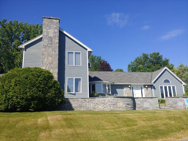 81 Elliott Dr, Williamstown, MA 01267