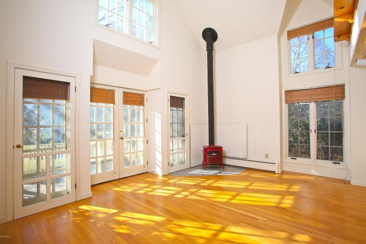 Sunny Living Space