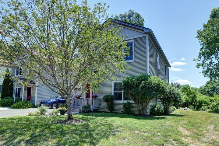 22 Stanley Dr, Great Barrington, MA 01230