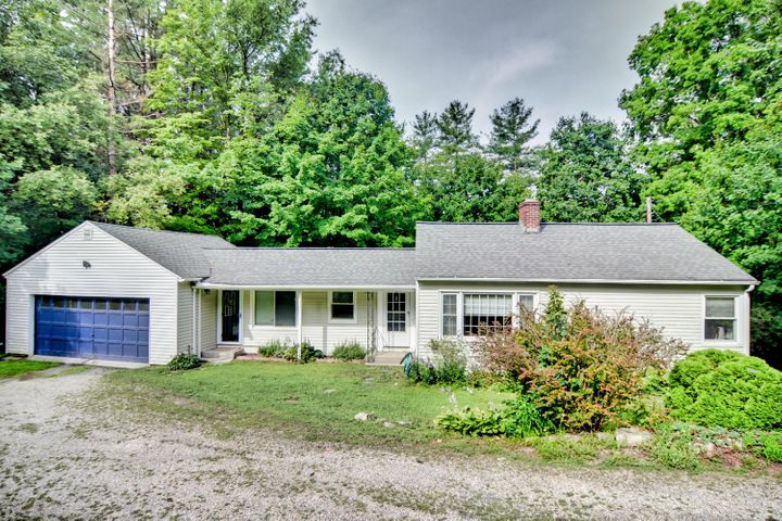 325 Laurel St, Lee, MA 01238