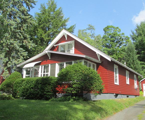 This sweet spacious Bungalow has HOME SWEET HOME all over it!