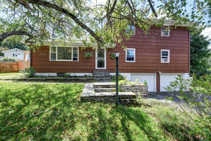 30 Pine Ridge Dr, Lee, MA 01238