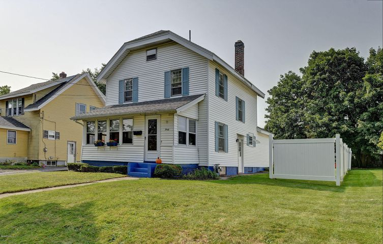 40 New Hampshire Ave, Pittsfield, MA 01201