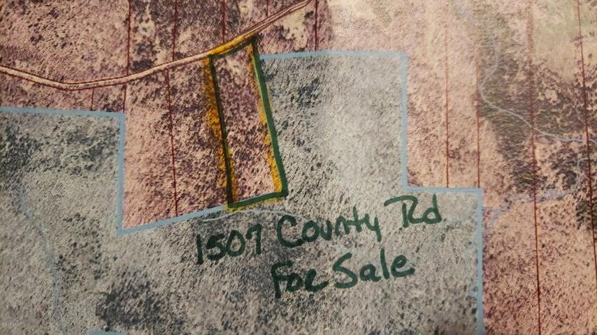 1507 County Rd, Stamford, VT 05352