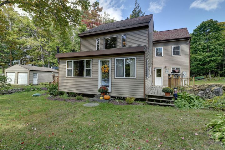 128 Ashmere Rd, Hinsdale, MA 01235
