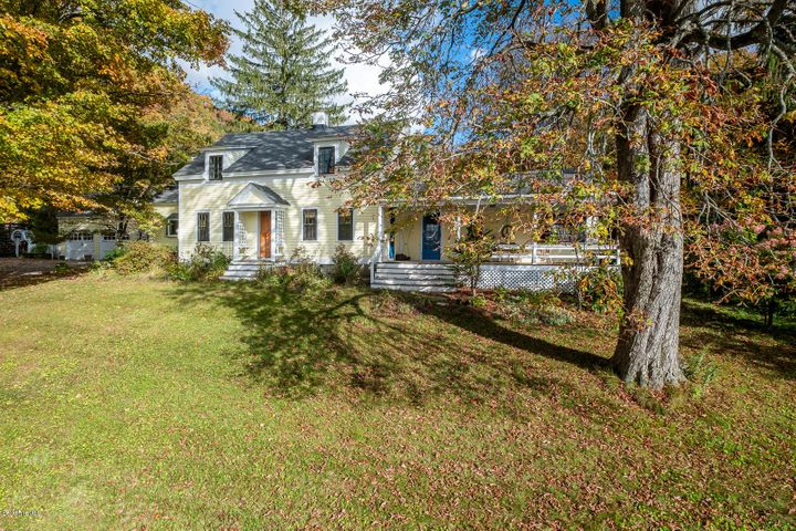 570 East Rd, Stamford, VT 05352