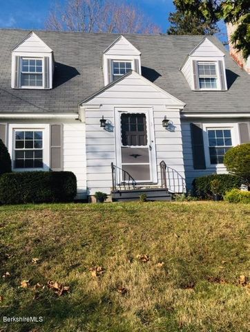 3 Maple St, Lenox, MA 01240