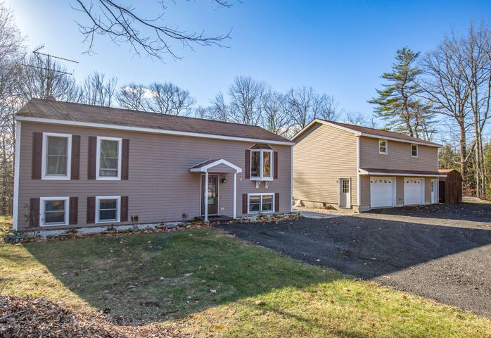 226 Huckleberry Ln, Becket, MA 01223