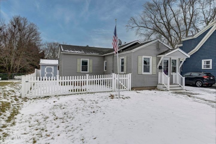 68 Reuter Ave, Pittsfield, MA 01201