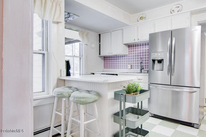 64 Exeter Ave, Pittsfield, MA 01201