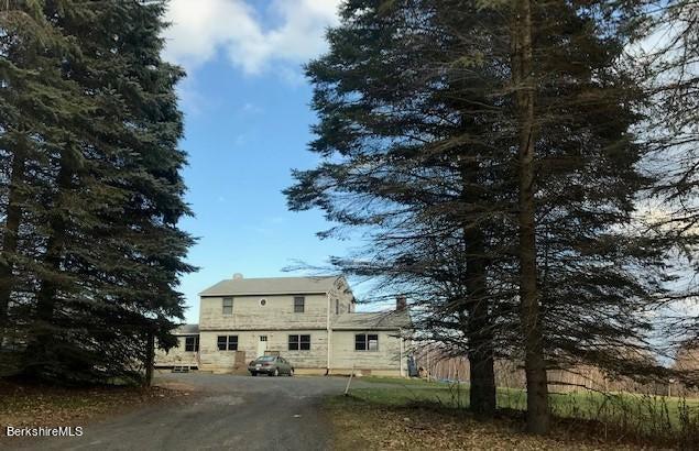 140 Arthur Pease Rd, Middlefield, MA 01243