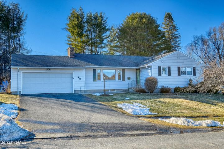 40 Darlene Ave, Pittsfield, MA 01201