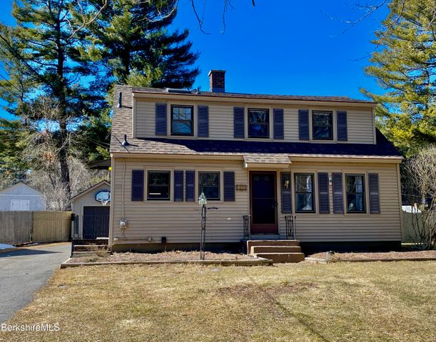 142 Jason St, Pittsfield, MA 01201