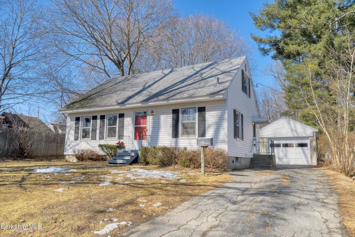 62 Easton Ave, Pittsfield, MA 01201