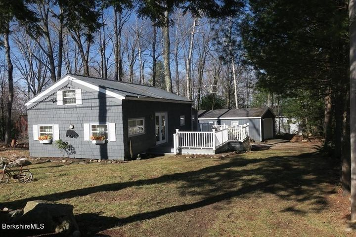 18 Ridge Ave, Otis, MA 01253