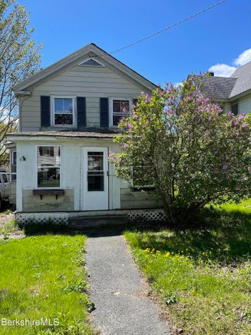 25 Pope St, Great Barrington, MA 01230