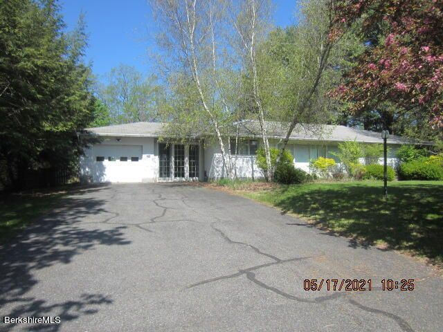 78 Richard Dr, Pittsfield, MA 01201