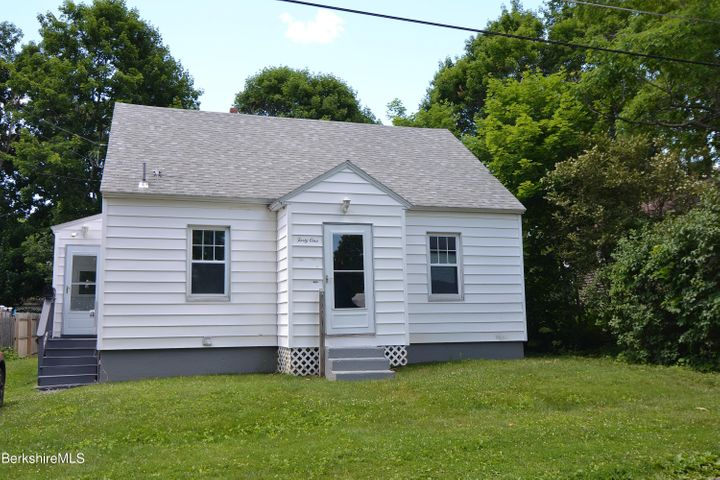 41 Stanley Ave, Pittsfield, MA 01201